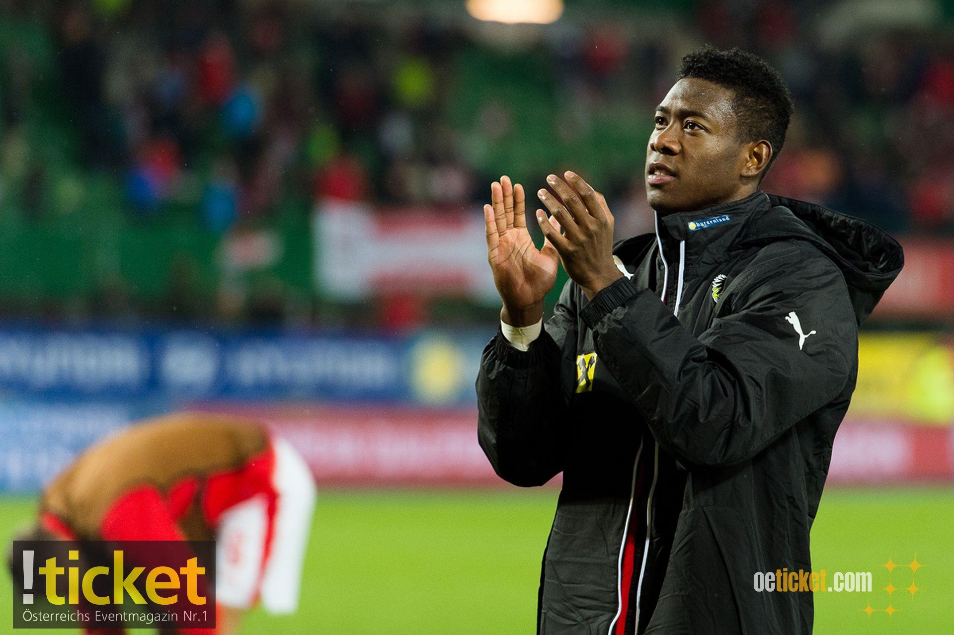 Applaus von David Alaba für die österreichischen Fans für die Unterstützung.