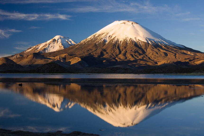 CHILE_Doppelvulkan_Parinacota_und_Pomerape