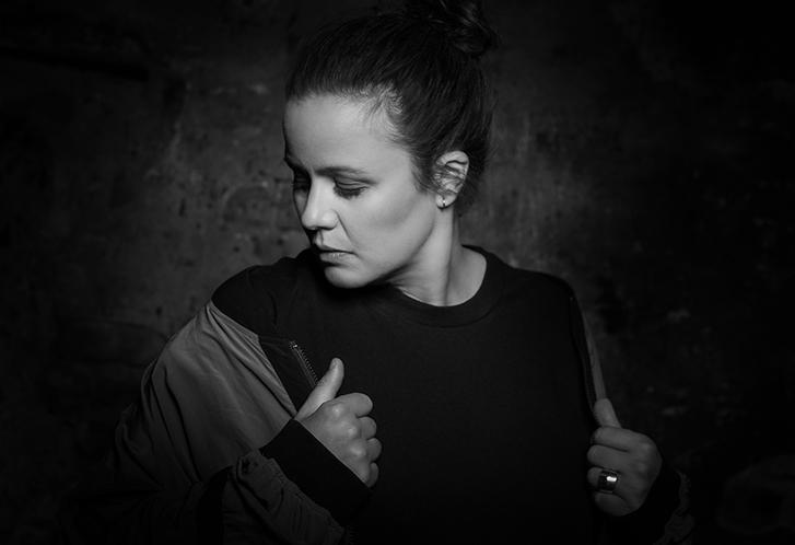 Sie liebt Vinyl und zelebriert die Kultur der Underground Tanzmusik. Steffi zählt mit ihrer contemporary electronic music sicher zu den Highlights im Line-up.